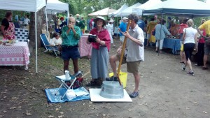 Gettin' their folk on at the farmer's market at Negus Park.
